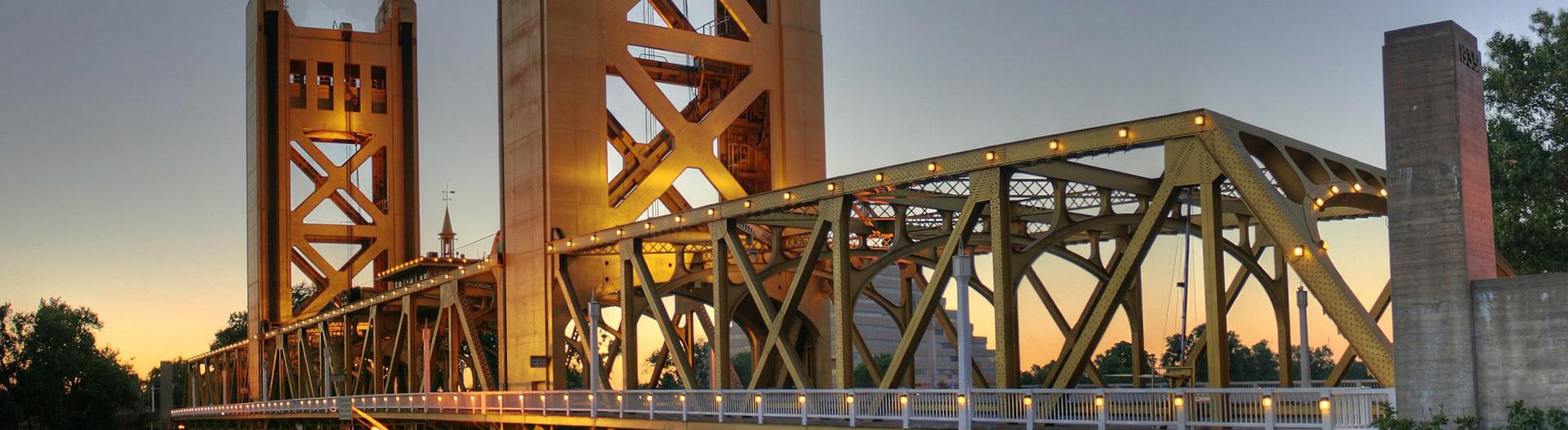 Sacramento Bridge: Sacramento Party Bike Tours